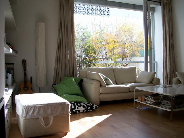 mieszkania studenckie, pobyt u hiszpanskiej rodziny goszczacej