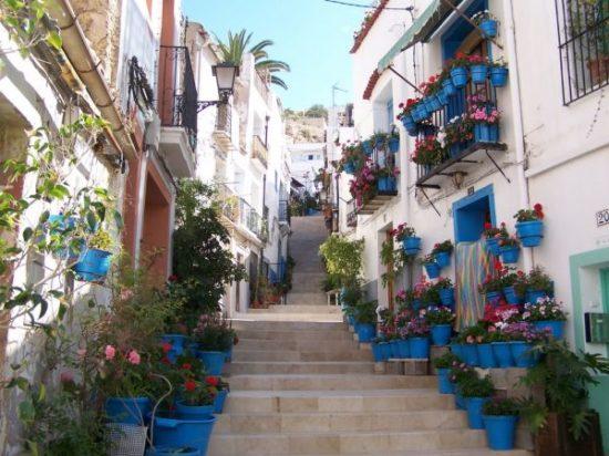 ulica-w-dzielnicy-Santa-Cruz_spacer_po_sewilli