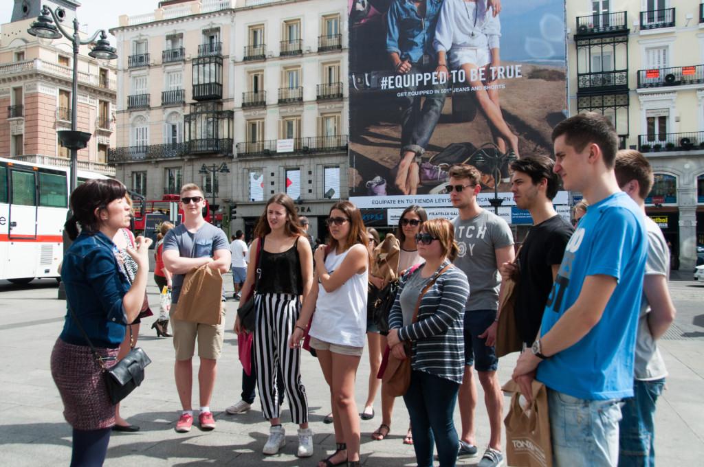 oboz hiszpanskiego dla mlodziezy szkolnej w Madrycie